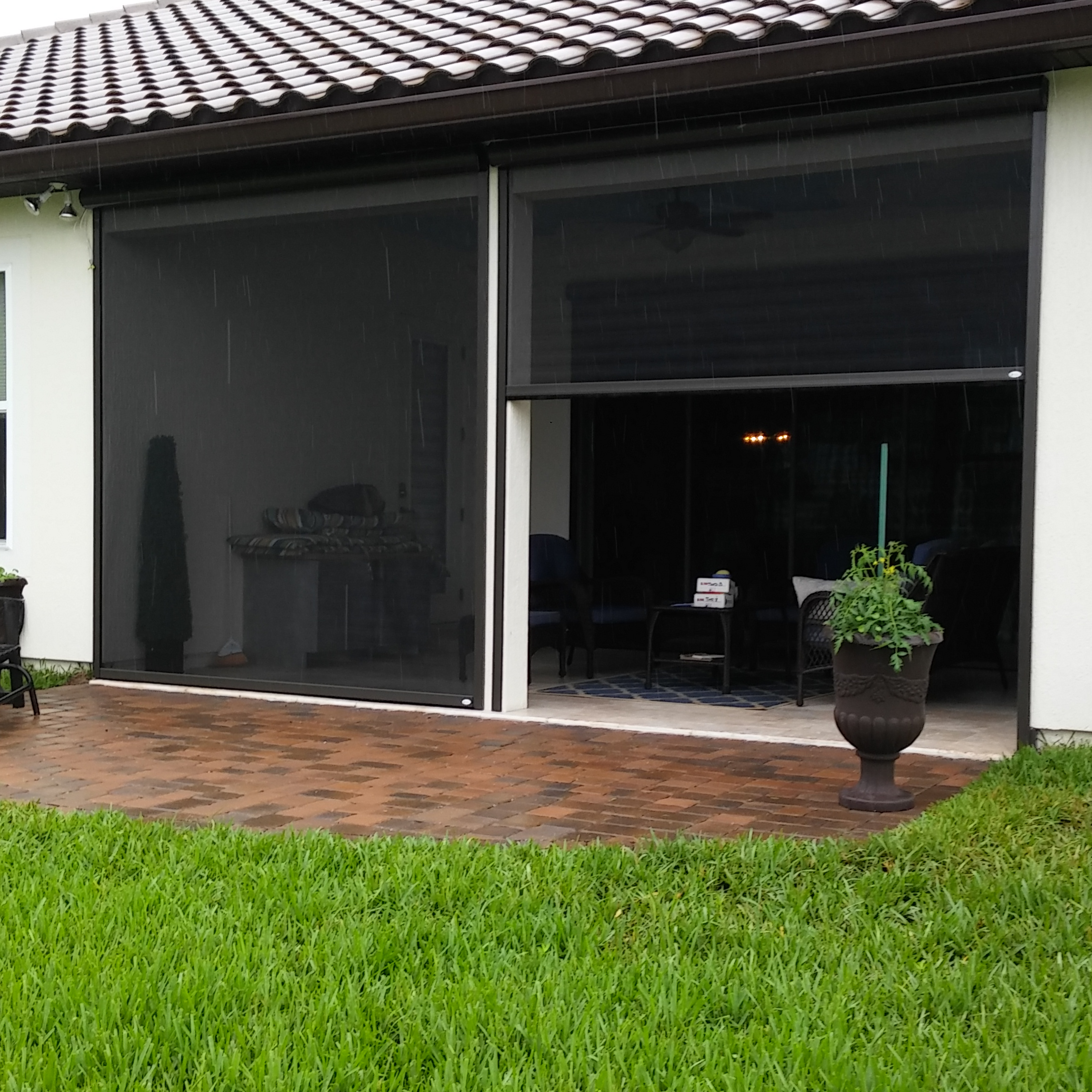 Mosquito mafia photo gallery for Retractable patio screens